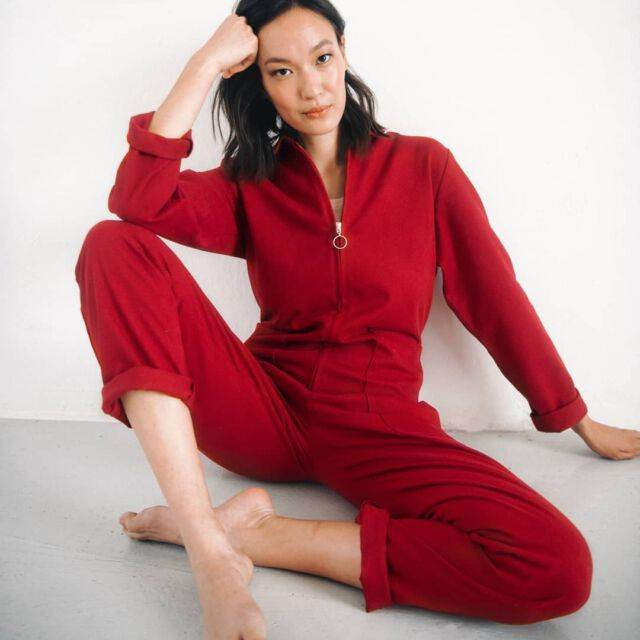 Perfect boilersuit weather today 🍁🍂🍁🍂 #aboutcolchik #colchikred #colchikboilersuit #overall #combinaison #blaumann #red #redlover #unisex #unisexfashion #ethicalfashion #slowfashion #womenwithstyle #casualwithstyle #workwearstyle #instafashion #womanfashion