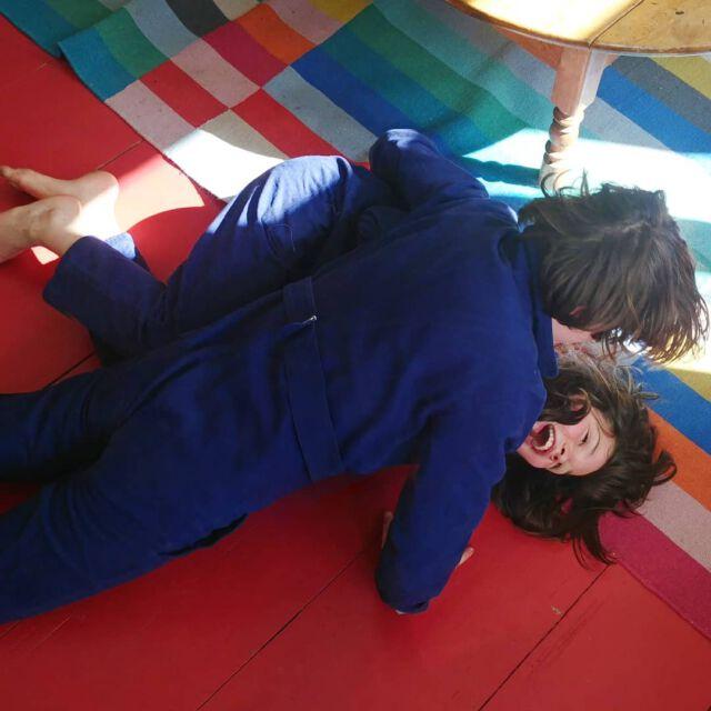 Boilersuit battle...  (Nearly 5 months wirhout school here, spending all days with 3 crazy boys...) #aboutcolchik #wearecolchik #colchikindigo #familylife #uniform #unisex