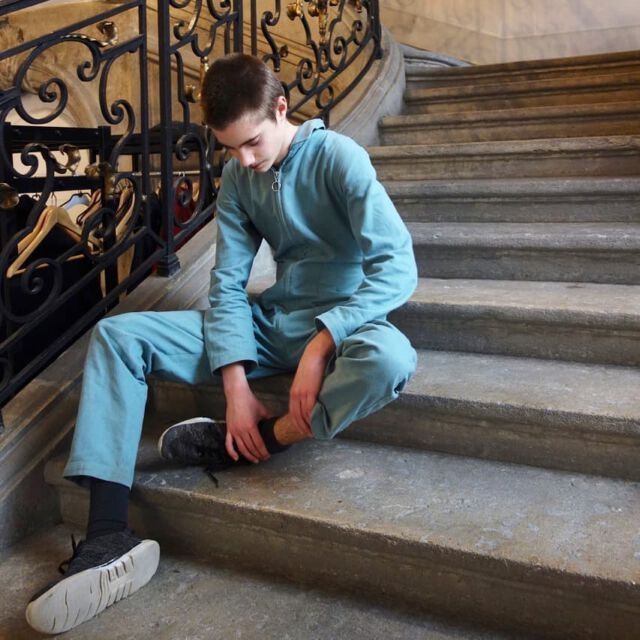 Colchik is not only for kids and adults but also for teens. For all ✌ 📷 @eva_lange #colchikboilersuit #colchikbaltic #aboutcolchik #workwear #denimlover #cottonlover #slowfashion #combinaison #overall #boilersuit #coolboys #ethicalfashion #sustainablefashion #unisex #fashionrevolution #teens #teensfashion #buyoneplantone #buylesschoosewell