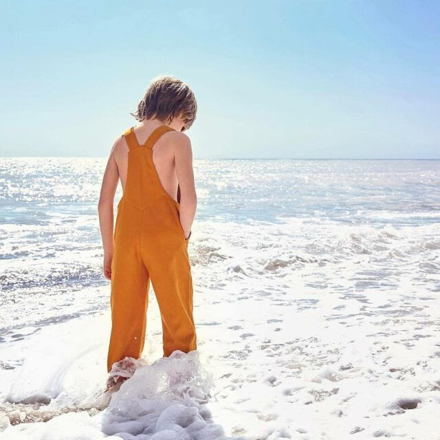 Today's weather : all you need is a Colchik dungaree 💛✌🌞 #aboutcolchik #colchikdungaree #colchikrust #dungaree #overall #salopette #unisex #workwear #workwearforkids #slowfashion #greenfashion #salopette