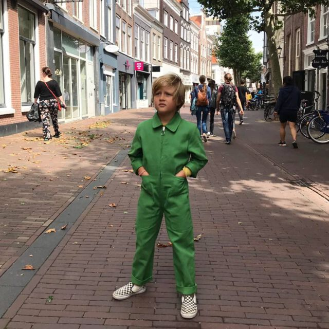 Simple, easy going and beautiful :  our Colchik boilersuit 💚💚💚 📷 @arepaconquesito  #colchikboilersuit  #aboutcolchik  #colchikgrass  #green  #overall  #combinaison  #unisex  #kidsfashion  #girlswithstyle  #coolkids  #slowfashion  #greenfashion  #ethicalfashion  #sustainablefashion  #uniform  #workwear  #workwearstyle  #happyfashion  #putcolorinyourlife #wearecolchik