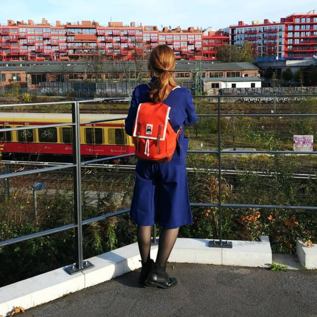 We just felt in love with @ykraco 🙌 Do you know those incredible backpacks - matching perfect with our Colchik clothes 🎈 #ykra #aboutcolchik #colchikculottes #berlin #lockdepot #red