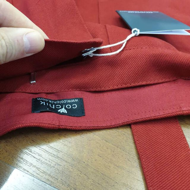 The new production comes to an end. Red is coming very soooooon 🎈 We are now working with a new producer, still in Poland, who will be able to accompany Colchik in its developpment. His work is just amazing !  #aboutcolchik  #colchikred  #quality  #qualityfashion  #qualityclothing  #details  #lovedetails  #madetolast  #madeineurope  #madeinpoland  #longlastingclothes  #detailslover  #simplicity  #lessismore